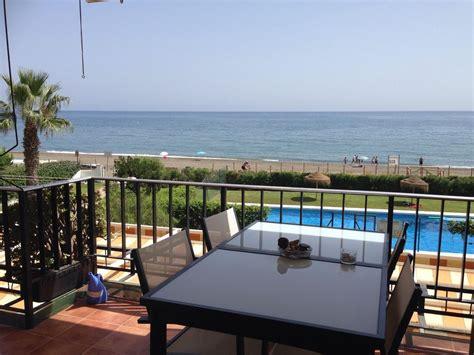 alquiler casa malaga este apartamento en la playa para 4 personas en m 225 laga este
