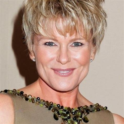 pixie haircuts for 70 years pixie haircuts for 70 year old women hairstylegalleries com