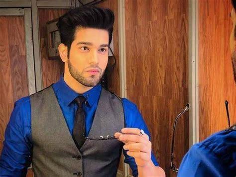 kahaan hum kahaan tum actor abhishek malik  enter pinjara khubsurti ka india forums