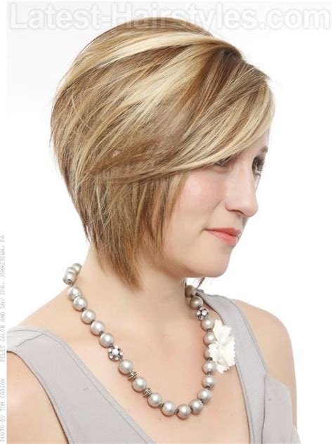 fancy chin length hair a short chin length bob hairstyle side angle fashion n