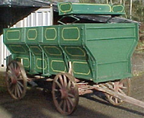 101  Grain Wagon c/w buckboard ? UNIQUETIQUES?