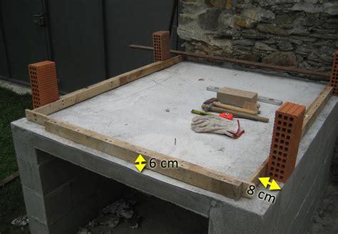 costruzione camino a legna forno in mattoni refrattari a base rettangolare costruzione