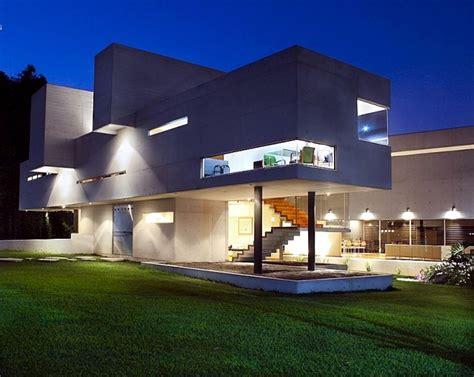 modern concrete house  mexico  high ceilings