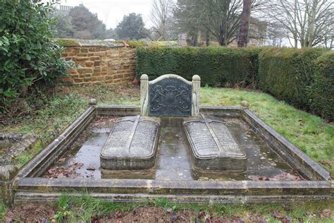 where is princess diana buried princess diana grave empty royal buried at family crypt st marys brington england
