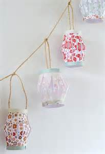 Tutorial on how to make paper lanterns at appliances online at home