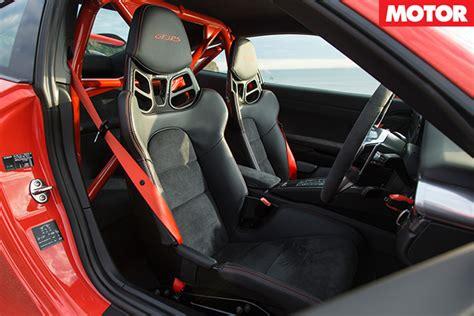 Porsche Gt3 Rs Interior by Porsche 911 Gt3 Rs Vs Mclaren 675lt