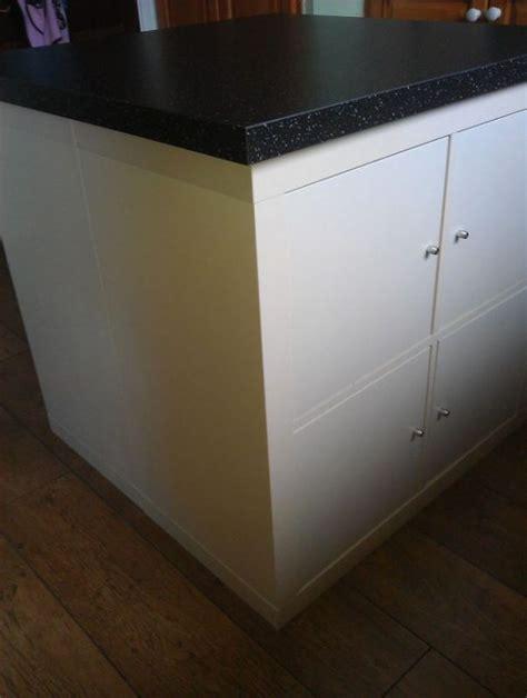 lackierte schränke in der küche sie kauft zwei billige ikea schr 195 164 nke und baut daraus eine