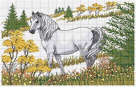 strumming pattern white horse вышитые бисером лошади схемы вышивок