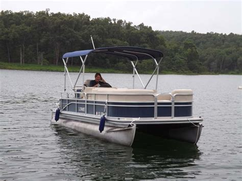 how to dock a pontoon boat in a slip pontoons fout boat dock