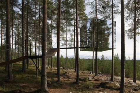 mirrored house the mirrorcube treehouse takes building a den to a new