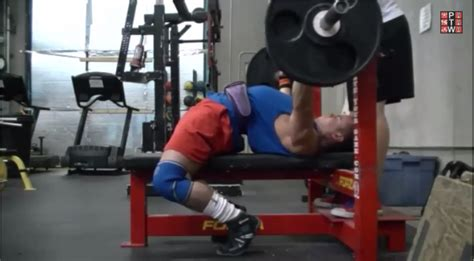 increase your bench press how to improve your bench press arch powerliftingtowin