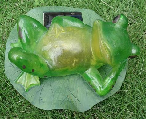 China Solar Poly Transparent Frog Light Solar Animal Light Solar Frog Light