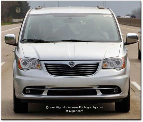diesel and gas powered lancia voyager minivans luxury for