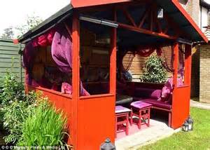 a womans shed spaces 178249099x she shed sales jump by 50 as women look for their own place to relax daily mail online