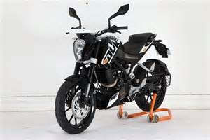 Black Ktm Ktm Duke 200 Now Available In Three Flavours Bikedekho