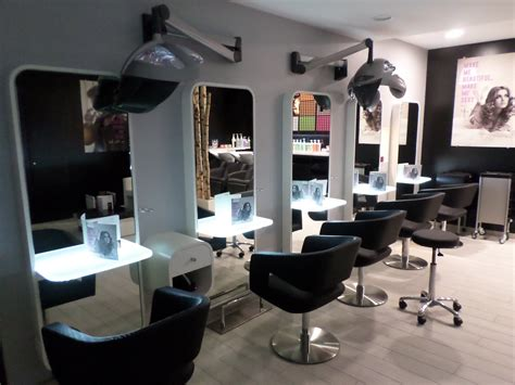 agencement salons de coiffure 53 49 44 35 72