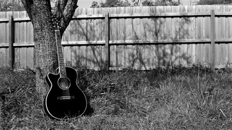 guitar wallpaper black and white hd guitar wallpaper pictures 58784 1366x768 px hdwallsource com