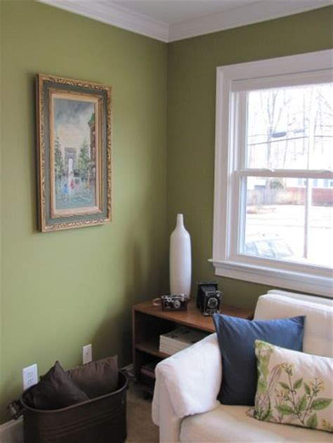wall color behr tate olive this color for the foyer and distress the dresser in a navy blue and