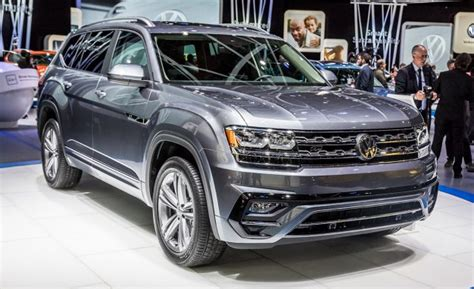 atlas volkswagen r line 2018 volkswagen atlas suv gets r line treatment news