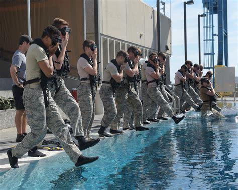 dive school airmen attend dive school gt air reserve command gt news