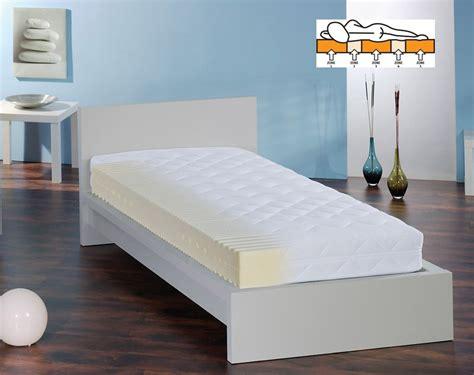 f a n 7 zonen kaltschaumkern matratze mit noppenschaumauflage matratzen lattenroste frankenstolz g 252 nstig