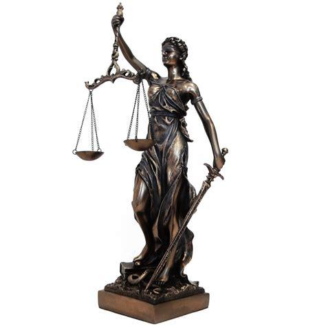 the color of justice reflexiones sobre la imagen de la justicia
