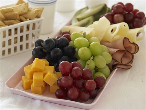 what are kid friendly appetizers an easy appetizer that s kid friendly grapes from california cheese crackers and