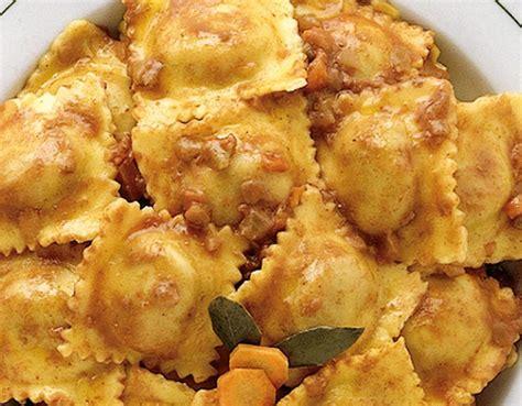 come cucinare i ravioli di carne pasta ripiena come si preparano i ravioli di carne sale