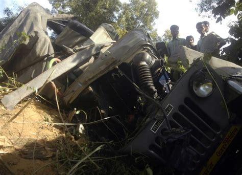 Ahmedabad Wedding Killed by 3 Killed As Car Overturns On Mumbai Ahmedabad Highway