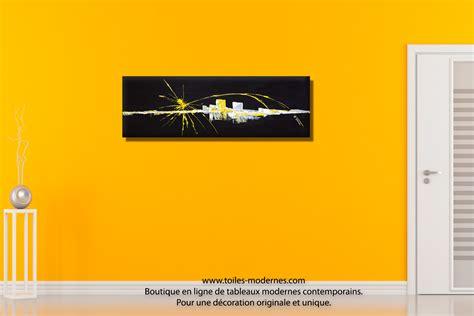Délicieux Salle A Manger Bois Et Chiffon #7: Tableau-abstrait-noir-d%C3%A9co-mur-jaune-Renouveau.jpg