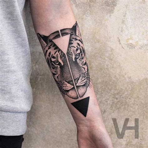 split tattoo designs best 25 tiger ideas on
