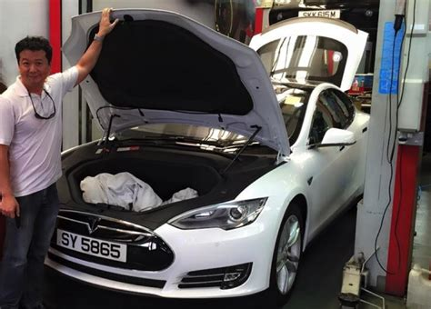 Tesla Model S Singapore Tesla To Make Singapore Comeback With Charging Points And