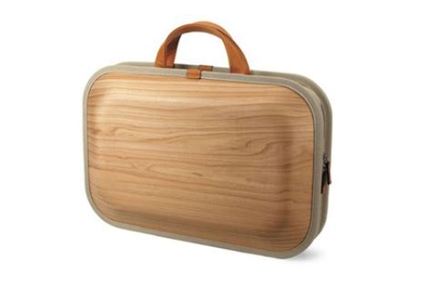 Wooden Briefcase By Takumi Shimamura by Briefcases Better Living Through Design
