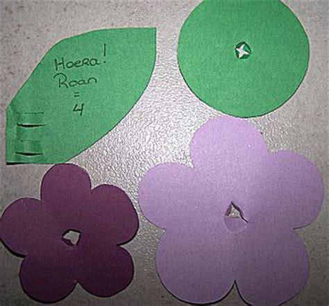 bloem van plastic bekertje knutselidee bloemtraktatie met potlood