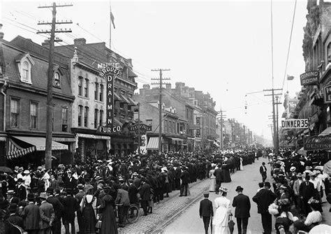 history of days file 1900s toronto labourday parade jpg wikimedia commons