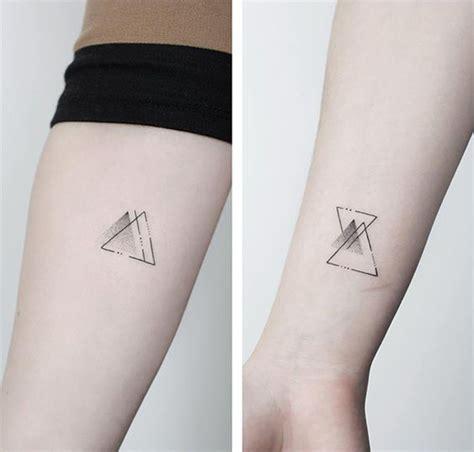 tattoo minimalista masculina 80 tatuagens femininas minimalista para se inspirar