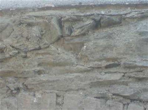 weißer putz m 246 rtel putz balken kalk ziegel