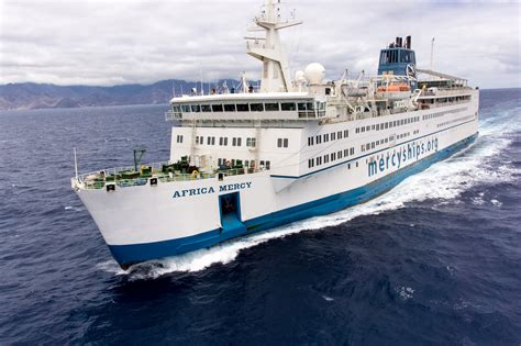 mercy boat africa tymor marine assists mercy ships with essential medical