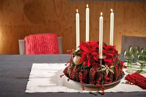 candele centrotavola centrotavola pigne candele e stella di natale fai da te