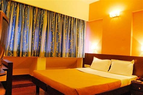 book cheap hotel rooms book luxury hotels hotel rooms cheap budget hotels in shirdi at a discount price get