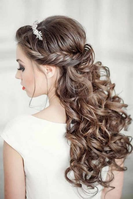 quinceanera hairstyles for long hair with curls and tiara quinceanera hairstyles 2017