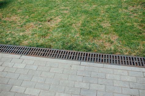 drainage im garten 187 so entw 228 ssern sie ihn richtig - Terrasse Drainage