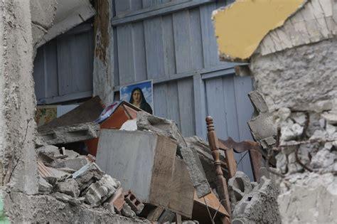 earthquake jakarta post photo ecuador deadly quake the jakarta post