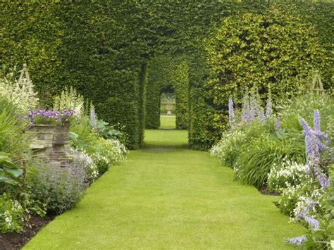 imagenes regando jardines image gallery jardines hermosos