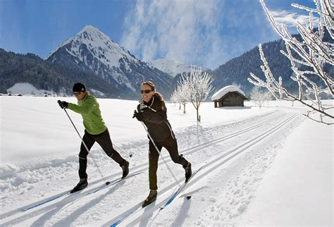 cross country ski styles types of skiing skiing and snowboarding