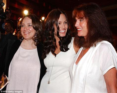 Jolies Dies Of Cancer by Megan Gale Can Relate To S Decision To
