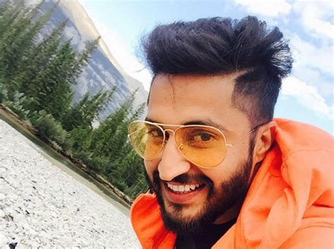 jassi gill images with wife jassi gill with his wife www pixshark com images