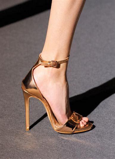 Sepatu Fashion 005 10 sepatu wajib punya
