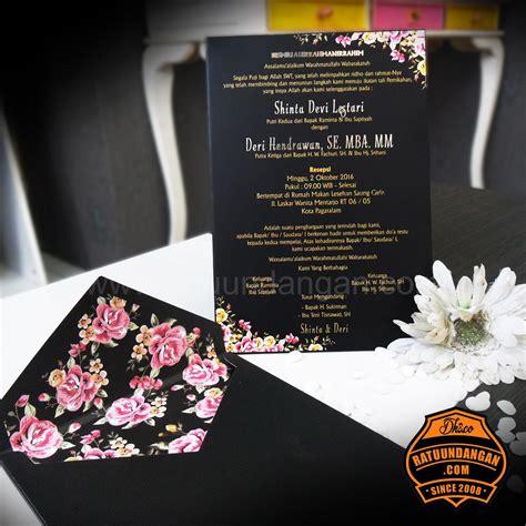 Celengan Kaleng Gambar Suka Suka Bisa Buka Tutup kartu undangan pernikahan murah tren desain kartu undangan pernikahan