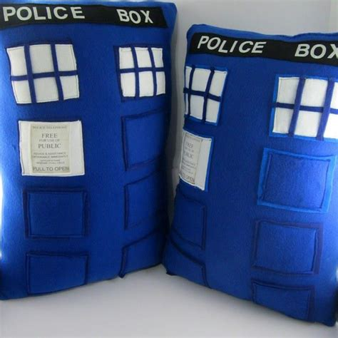 tardis couch doctor who tardis pillows by littlecritters00 on deviantart